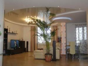 natyazhnoj-potolok-spalnya-39-300x225 Натяжные потолки в квартире