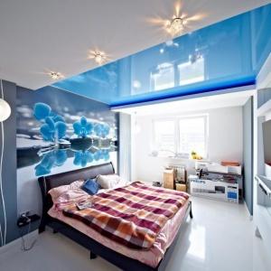 cinie-natyazhnye-potolki-v-minske Синие натяжные потолки